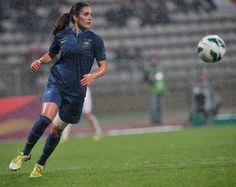 Louisa Necib, meneuse de jeu, équipe de France de Football Féminine. France vs England (2/2). Photo F.F.F.