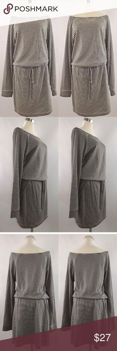 "Tart Sz M dress Striped white black Neck blouson Tart Sz M dress Striped white black Neck blouson drawstrings pockets Size M Cute dress in excellent condition! Material - 55% Rayon 45% Polyester Armpit to armpit - 18"" Length (top of shoulder to hem) - 37"" Tart Dresses Midi"