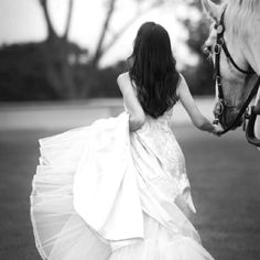 Horses HAVE to be a part of my wedding <3