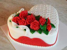 ** Marcipánové srdce zdobené růžemi **