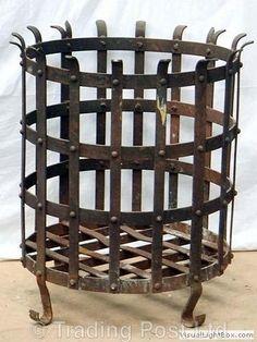 Iron Fire Pit, Fire Pit Bbq, Diy Fire Pit, Fire Basket, Firewood Rack, Wrought Iron Decor, Diy Workbench, Fire Pit Designs, Fire Bowls