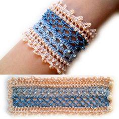 Pulceras para verano en crochet - - Knitting For BeginnersKnitting HumorCrochet BlanketCrochet Amigurumi Crochet Bracelet Pattern, Crochet Jewelry Patterns, Crochet Beaded Bracelets, Bead Crochet, Crochet Accessories, Irish Crochet, Bracelet Patterns, Crochet Earrings, Embroidery Bracelets