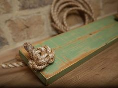 Wooden rustic SWING. Green color. Large di LaSaviaDelArtesano