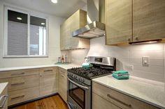 "Contemporary Kitchen with Iced White Quartz Countertop, Storka Manhattan 4"" x…"