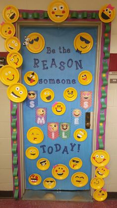 New Classroom Door Kindness Bulletin Boards Ideas Klassenzimmer Dekor Christmas Classroom Door, New Classroom, Classroom Themes, The Grinch, Kindness Bulletin Board, Bulletin Boards, Kindergarten Door, Christmas Door Decorating Contest, School Doors