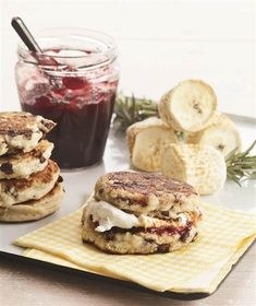 Campfire Biscuit S'mores is the perfect hearty dessert for any gathering! Biscuits, chocolate, jam and marshmallows give this dish it's delicious flavor