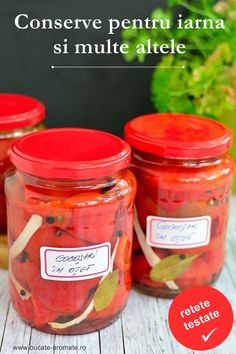 Pickled pepper with vinegar with spices (in Romanian) Side Recipes, Vegan Recipes, Homemade Pickles, Romanian Food, Pastry Cake, Vegetable Sides, How To Make Homemade, Vinegar, Spices