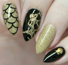 Black & gold glitter mermaid nails with a gold mermaid & seashell charm
