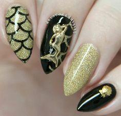 Black & gold glitter mermaid nails with a gold mermaid & seashell charm