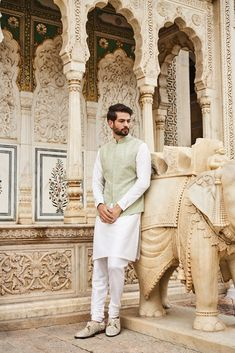 Check 141 sensational Indian wedding dresses for men that you can wear on your wedding day. Here you can know that how groom wear can be in so many styles in india. Groom Wedding Dress, Groom Dress, Wedding Men, Wedding Attire, Groom Wear, Groom Outfit, Groom Attire, Indian Wedding Clothes For Men, Indian Wedding Outfits