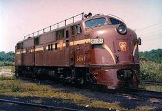 Pennsylvania Rairoad Class Diesel Locomotive No. Electric Locomotive, Diesel Locomotive, Steam Locomotive, New York Central Railroad, Rail Transport, Pennsylvania Railroad, Covered Wagon, Train Pictures, Train Engines
