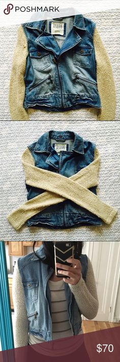 BILLBONG JEAN JACKET Size small jean jacket. Great 👍🏽 condition. Great for fall. NO TRADES OFFERS WELCOME Billabong Jackets & Coats Jean Jackets