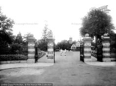Darlington, Entrance to South Park 1929
