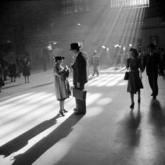 Rare Historic Pictures of New York City 1941. This lighting in this photo is spectacular, as is the attire.