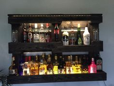 Sell ​​a shelf for bottles for the living room or the bar from a Europal . Sell ​​a shelf for bottles for the living room or the bar from a Euro pallet made with …, Eur Diy Home Bar, Diy Bar, Bars For Home, Bar Pallet, Palette Diy, Bar Cart Decor, Bar Shelves, Shelf, Creation Deco