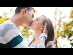 Happy young couple in love kissing. park outdoors date. Young Couples, Couples In Love, Singles Sites, Dating Women, Money Games, Date Outfit Summer, Online Dating Profile, Meet Girls, Urban