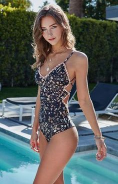 Halter Floral One Piece Swimsuit Sexy Swimwear Bathing Suit Women Swim Wear female Biquini Bandage Monokini One-Piece Swimsuits Summer Wear, Summer Outfits, Cute Outfits, Beach Outfits, One Piece Bikini, One Piece Swimwear, One Piece Swimsuit For Teens, One Piece Swimsuit Flattering, Backless One Piece Swimsuit