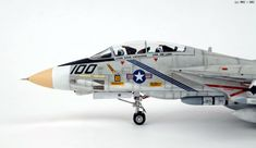 F-14A VF-143 Pukin'Dogs. - Academy 1/48