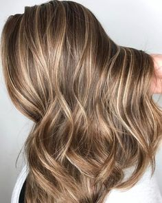 Brown Hair With Blonde Highlights, Full Highlights, Light Brown Highlights, Brown Highlighted Hair, Brunette Highlights Lowlights, Brown Hair Foils, Hair Colour, Low Lights And Highlights, Brunette Highlights Summer