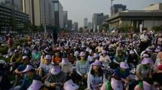 An estimated one million people have gathered to watch Pope Francis deliver a mass in Seoul, the capital of South Korea. During the service, the Pontiff beatified 124 people who died for their beliefs during the early days of Roman Catholicism in the country. More than 30,000 police have been deployed for his five-day visit, […]