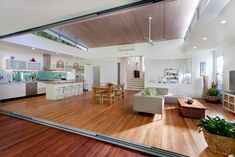 Queensland Homes Blog » » Real Home: From the street there are no clues what lies beyond the front door of this sleek Noosa home.