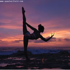 , Amazing yoga poses that you want to try; , 60 Amazing Yoga Poses That You Want To Try - Page 54 of 60 Dance Photography Poses, Gymnastics Photography, Dance Poses, Sport Photography, Yoga Dance, People Photography, Yoga Pictures, Dance Pictures, Yoga Inspiration