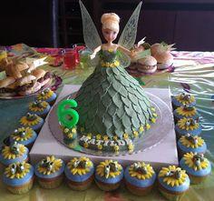 Bolo aniversário e cupcakes da Fada Sininho
