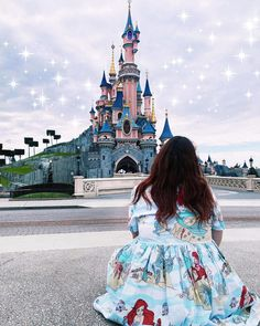 Home Again, Disneyland Paris, Comebacks, Dates, Instagram, Date