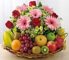New Fruit Basket Hamper Christmas Ideas Fruit Flower Basket, Fruit Box, Fruit Flowers, New Fruit, Fruits Basket, Fresh Fruit, Buy Flowers, Large Flower Arrangements, Edible Arrangements
