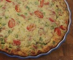 Recipe IMPOSSIBLE QUICHE- NO PASTRY by learn to make this recipe easily in your kitchen machine and discover other Thermomix recipes in Baking - savoury. Bisquick Recipes, Quiche Recipes, Savoury Recipes, Quiche Pastry, Impossible Quiche, Cantaloupe Recipes, Radish Recipes, Cheddarwurst Recipe, Entrees