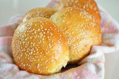 You can prepare those from scratch. So easy. Burger Buns, Hamburger, Lunch, Bread, Dinner, Easy, Recipes, Dining, Lunches