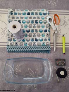 Coudre un couvercle réversible en tissu, sur mesure ! - Claire L. CréationClaire L. Création Assemblage, Sons, Pouch, Sewing, Crafts, Dish Towels, Towels, Tricot, Craft