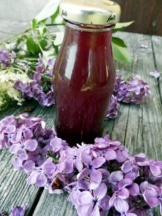 Sirop, colorant natural din maci, liliac, salcam, papadie, sau soc Baby Food Recipes, Healthy Recipes, Health Snacks, Dental Health, Preserves, Drinking, Deserts, Beverages, Food And Drink