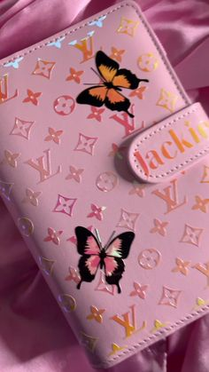 Glamorous life(@glamorouslife.co) on TikTok: I'm loving the butterfly custom orders ! 😍 #custombudgetbinder #budgetplanners #fyp #packanorderwme #personalizedcups #custombudgetbook Budget Book, Budget Binder, Tween Gifts, Savings Plan, Personalized Cups, Budgeting, Butterfly, Money, Life