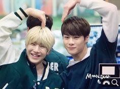 [25.03.16] Astro on Kiss The Radio - JinJin e MoonBin