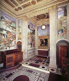 Benozzo Gozzoli . Fresques de la Chapelle des Mages du palais Médici-Ricardi à Florence, vers 1459-1463. Dans l'abside, Nativité de Filippo Lippi (original à la Gemäldegalerie, Berlin).