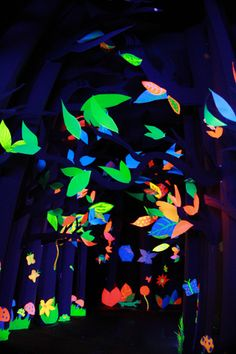Neon Epic Fort - a neon forest from Avatar!