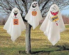 Fiesta-de-Halloween-3-colgando-decoraciones-Fantasma-Publica-Gratis-en-Reino-Unido