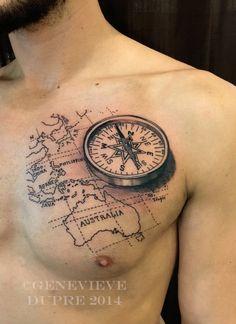 werfen sie einen blick auf diese idee für einen compass tattoo für männer   hier sund ein großer schwarzer kompass und die weltkarte