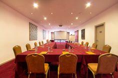 El Hotel St Gervasi cuenta con dos salones para acoger todo tipo de eventos. Ambos disponen de luz natural y de un moderno equipo de audiovisuales para satisfacer las necesidades de sus reuniones. http://www.hoteles-silken.com/hoteles/st.-gervasi-barcelona/eventos/
