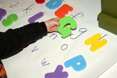 Letter & Number Scavenger Hunt - find the hidden numbers and letters and match them up. Use for sight words too. Toddler Learning Activities, Preschool Literacy, Alphabet Activities, Literacy Activities, Educational Activities, Teaching Kids, Preschool Alphabet, Kindergarten Literacy, Early Literacy