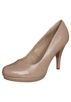 The perfect nude pumps for the small budget by Tamaris