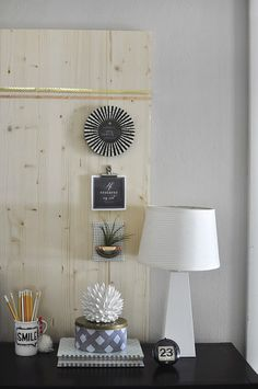 Rental Friendly! See how to make this simple Wood Memo Board. Delineateyourdwelling.com
