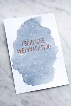 DIY Aquarell Weihnachtskarten basteln - mit tollen Schriftzügen in Kupfer! Ich zeige euch auf meinem Blog, wie einfach das funktioniert.