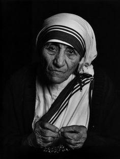 [테레사 수녀,Mother Teresa], 유섭 카쉬(Yousuf Karsh).  1988, 사진, 젤라틴 실버 프린트, 40 x 50cm, 유섭카쉬 재단.