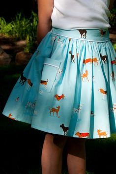 DIY Skirt with Piped Pocket (I <3 this fabric!) via Aesthetic Nest