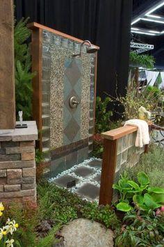 Adorable 99 Inspiring Outdoor Bathroom Design Ideas https://homeastern.com/2017/07/09/99-awesome-ideas-outdoor-bathroom-design/