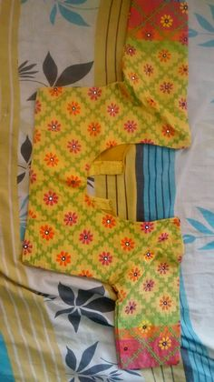 Super Embroidery Designs For Blouses Mirror Work Ideas Best Blouse Designs, Simple Blouse Designs, Blouse Neck Designs, Blouse Patterns, Mirror Work Blouse Design, Kutch Work Designs, Sumo, Embroidery Designs, Hand Embroidery