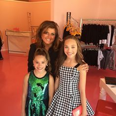 Everyone Abby's new LA studio will be open soon!! The address is : 11419 Santa Monica Blvd. Los Angeles, CA 90025 @therealabbylee @officialmackzmusic @realityawardstv Credit ❤Dancemoms luver❤