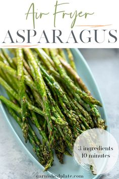 Simple side dishes that are healthy and can be cooked in minutes are a must! This air fryer asparagus cooks in less than 10 minutes and only requires 3 ingredients. Quick Dinner Recipes, Vegetarian Recipes Easy, Side Dish Recipes, Quick Meals, Vegetable Recipes, Healthy Recipes, Oven Recipes, Holiday Recipes, Low Carb Side Dishes